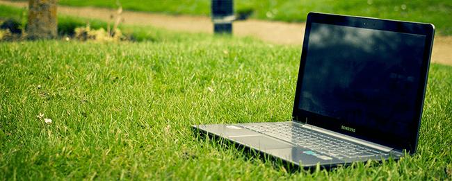 online Geld verdienen im Internet mit einem Laptop